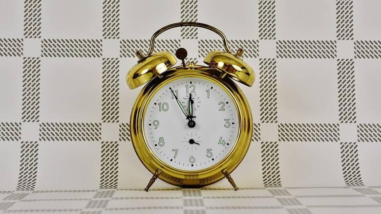 Αλλαγή ώρας: Πότε γυρίζουμε τα ρολόγια - Τι προβλέπει η απόφαση της ΕΕ