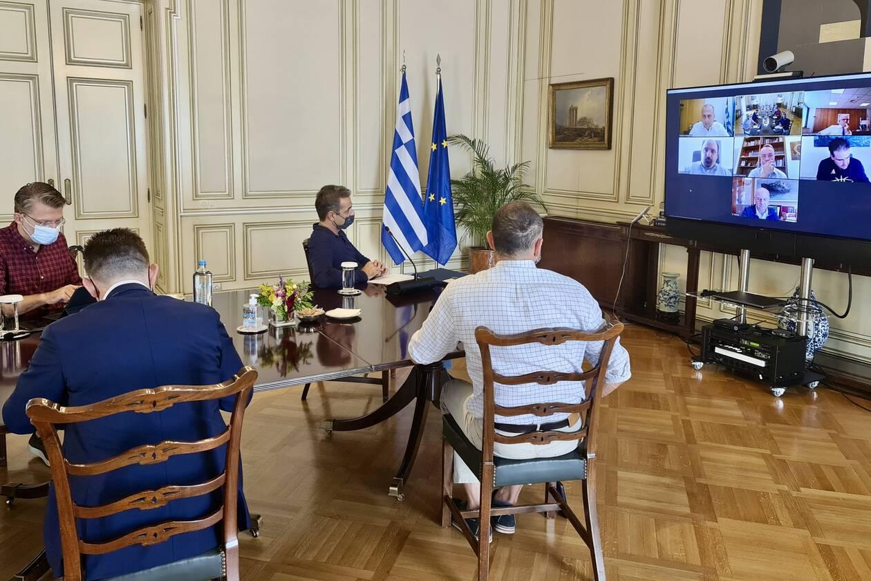 https://cdn.cnngreece.gr/media/news/2020/10/10/237836/photos/snapshot/syskepsi-mitsotakis-karditsa.jpg