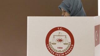Στις κάλπες οι Τουρκοκύπριοι με το δίλημμα Ερντογάν ή Ομοσπονδία
