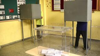 Κύπρος: Σε εξέλιξη οι «εκλογές» στα κατεχόμενα - Τι δήλωσαν Ακιντζί και Τατάρ
