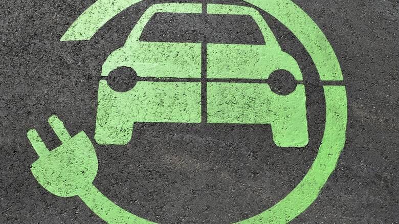 Μέχρι τον Μάρτιο θα κυκλοφορούν στους δρόμους Αθήνας και Θεσσαλονίκης ηλεκτρικά ταξί