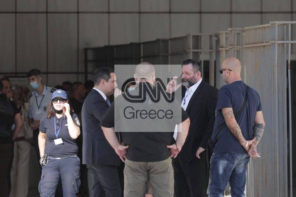 https://cdn.cnngreece.gr/media/news/2020/10/12/238042/photos/snapshot/121445563_682753372641242_7846822105297438322_n.jpg