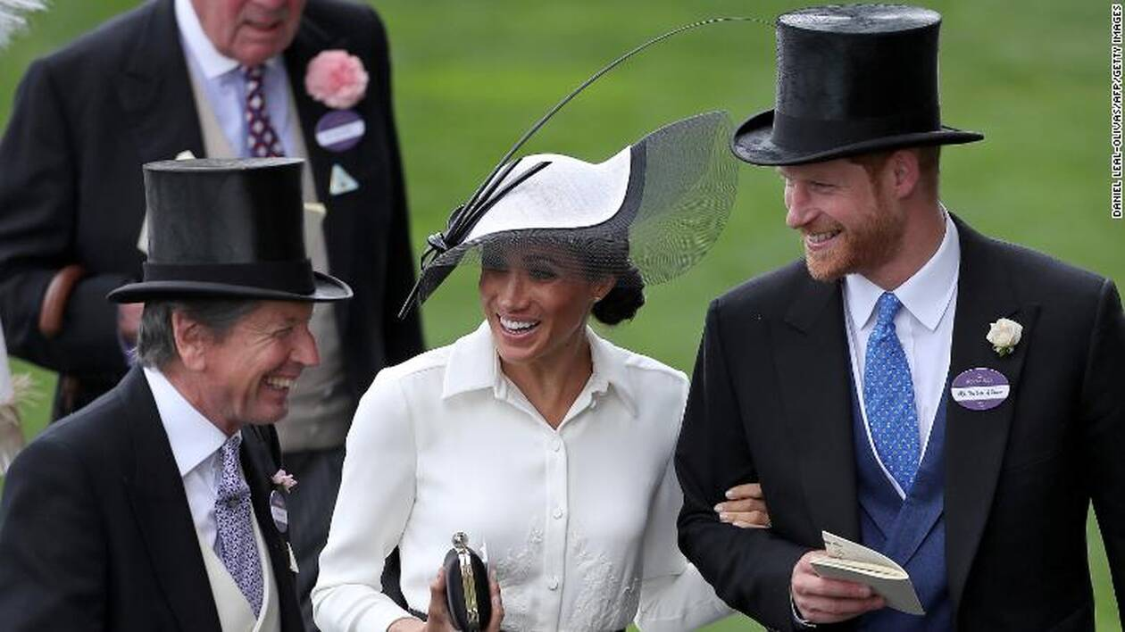 https://cdn.cnngreece.gr/media/news/2020/10/12/238073/photos/snapshot/181015133116-19-prince-harry-meghan-markle-relationship-exlarge-169-39.jpg