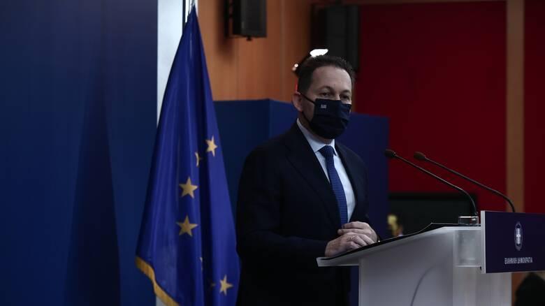 Πέτσας στο CNN Greece: Προνόμιο του πρωθυπουργού οι αλλαγές στο κυβερνητικό σχήμα