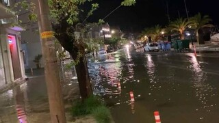 Κακοκαιρία: Σφοδρές βροχοπτώσεις στο Ιόνιο - Πλημμύρες σε Κέρκυρα και Κεφαλονιά