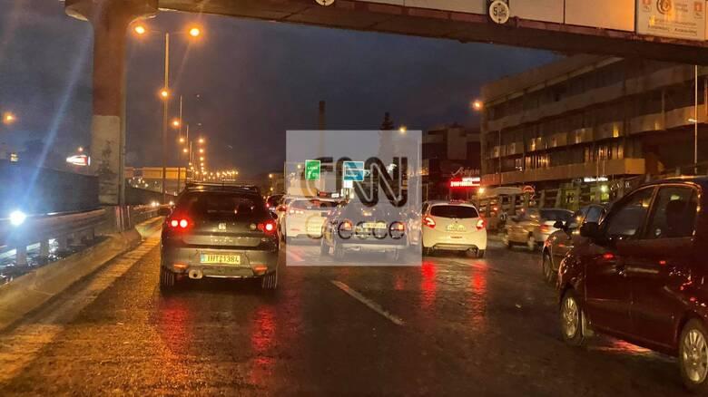 Κακοκαιρία: Πού εντοπίζονται κυκλοφοριακά προβλήματα στην Αθήνα