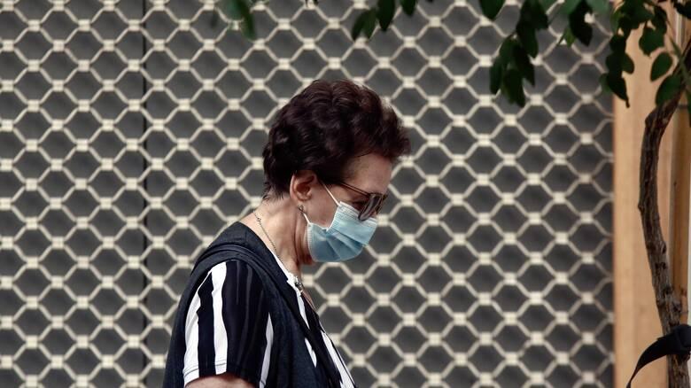 Κορωνοϊός: Δύσκολος ο Οκτώβριος με 65 νεκρούς - Ανησυχία ενόψει του χειμώνα