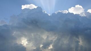 Καιρός: Υποχωρούν τα έντονα φαινόμενα - Συννεφιά και βροχές σήμερα