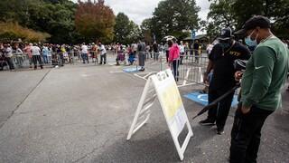 Προεδρικές εκλογές ΗΠΑ: Στις κάλπες εκατοντάδες χιλιάδες Αμερικανοί για την πρόωρη ψηφοφορία