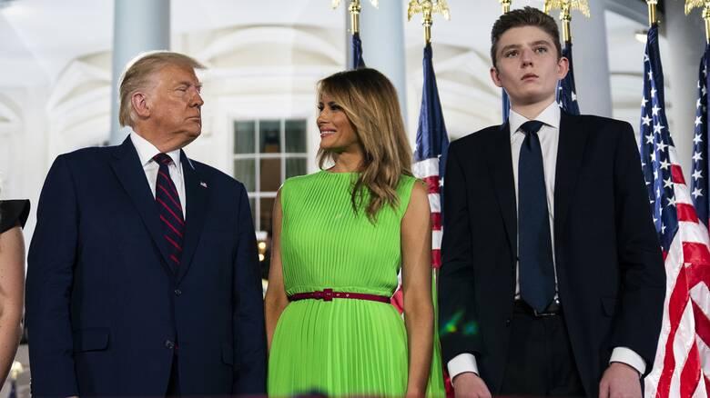 Κορωνοϊός: Θετικός και ο γιος του Τραμπ, Μπάρον