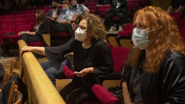 Δίκη Χρυσής Αυγής: Δεν εξαντλήθηκε η αυστηρότητα - Τι λέει η δικηγόρος της οικογένειας Φύσσα
