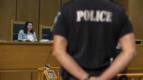 Live – Δίκη Χρυσής Αυγής: Στο δικαστήριο βρέθηκαν Μπαρμπαρούσης, Ματθαιόπουλος και Ηλιόπουλος