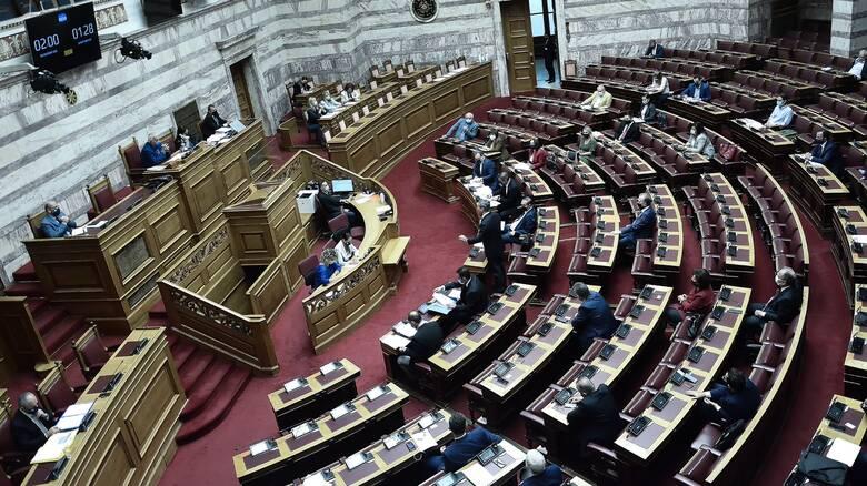 Κόντρα κυβέρνησης - αντιπολίτευσης στη Βουλή για ΛΑΡΚΟ, ΔΕΔΔΗΕ και ΔΕΠΑ Υποδομών