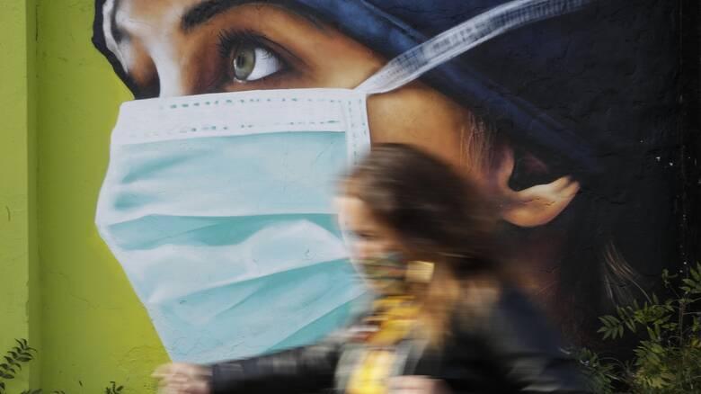«Καμπανάκι» ΠΟΥ: Πολύ ανησυχητική η εξέλιξη της πανδημίας στην Ευρώπη