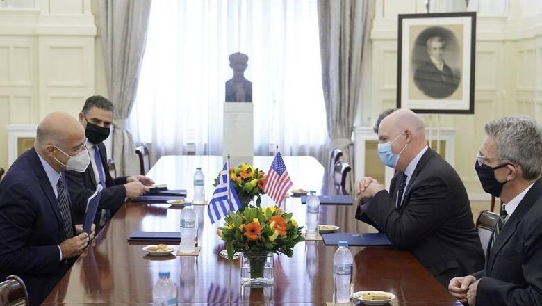 Η συνεργασία Ελλάδας-ΗΠΑ στο επίκεντρο της συνάντησης Δένδια - Κούπερ