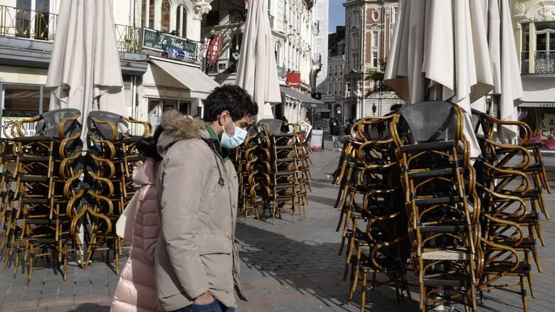Κορωνοϊός:  Aυστηρά περιοριστικά μέτρα σε Λονδίνο και Παρίσι στην μάχη κατά της πανδημίας
