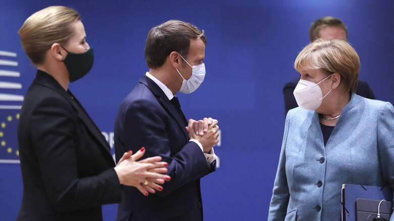 Σύνοδος Κορυφής - Politico: Γιατί παρέδωσαν κινητά και tablet οι ηγέτες της ΕΕ