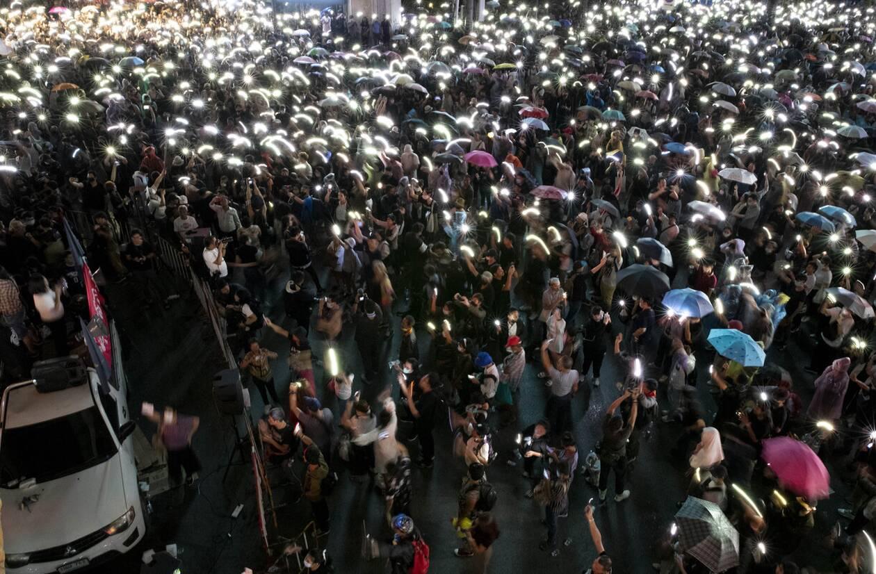 https://cdn.cnngreece.gr/media/news/2020/10/16/238668/photos/snapshot/taylandi_maska-8.jpg