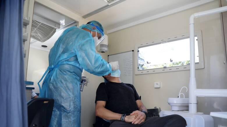 Κορωνοϊός: Ουρές για τα rapid test στην Κοζάνη