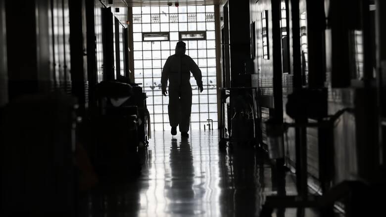 Κορωνοϊός: Αυξάνονται τα θύματα – Τέσσερις νεκροί μέσα σε λίγες ώρες