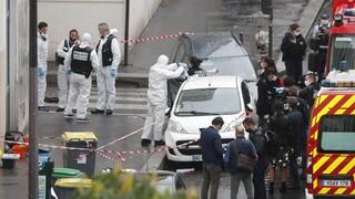 Τρόμος στο Παρίσι: Αιματηρή επίθεση με μαχαίρι