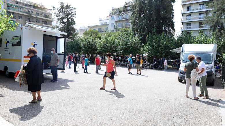 Κορωνοϊός: Εύθραυστη η κατάσταση στην Αττική, ανησυχία για τα Ιωάννινα