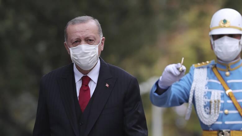 Γερμανική έκθεση - κόλαφος για Ερντογάν: Οι ευθύνες του για την κατάρρευση της λίρας
