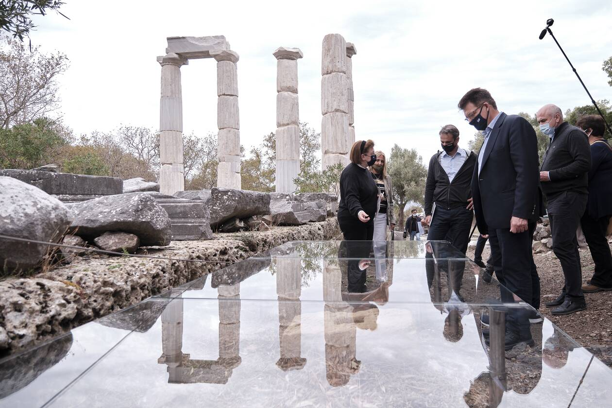 https://cdn.cnngreece.gr/media/news/2020/10/17/238853/photos/snapshot/mitsotakis-19.jpg