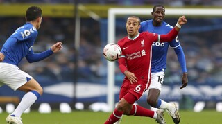 Έβερτον - Λίβερπουλ 2-2: Ισοπαλία και παράπονα για το γκολ στις καθυστερήσεις