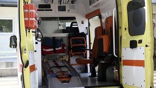 Λαμία: Σοκαριστικό τροχαίο με ιερέα - Απεγκλωβίστηκε από την ΕΜΑΚ