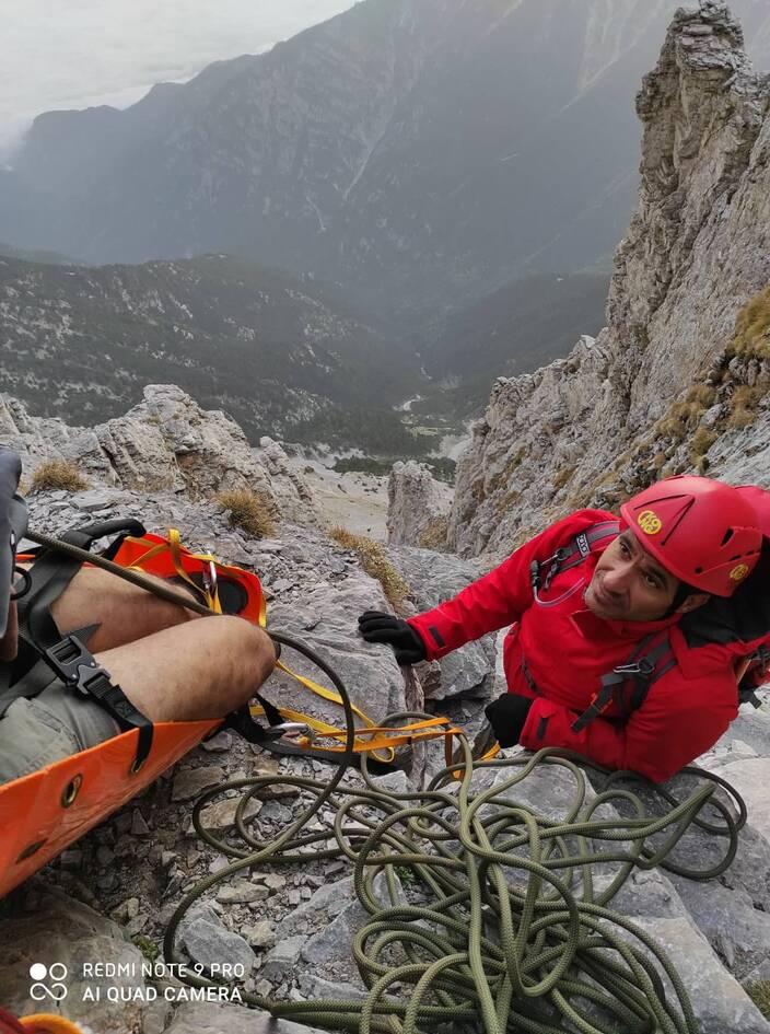 ΕΜΑΚ: Οι σύγχρονοι «θεοί» του Ολύμπου που σώζουν καθημερινά ορειβάτες
