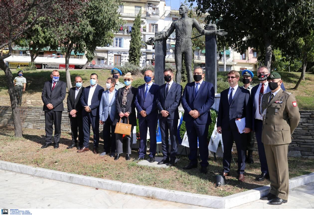 https://cdn.cnngreece.gr/media/news/2020/10/18/238946/photos/snapshot/thessaloniki-1.jpg