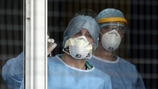 Κορωνοϊός: Αυξάνονται τα θύματα στην Ελλάδα – Κατέληξαν δύο ακόμη ηλικιωμένοι
