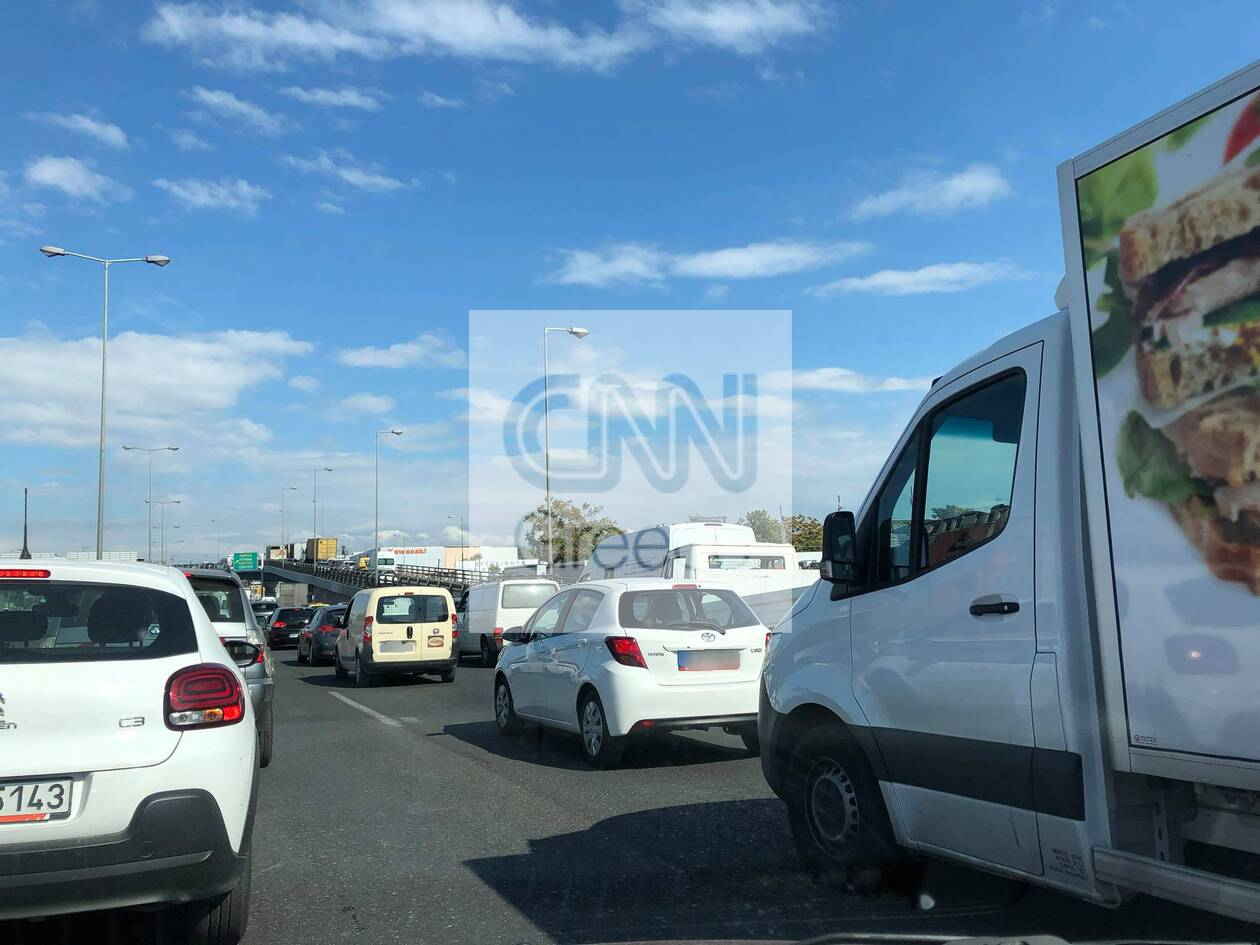 https://cdn.cnngreece.gr/media/news/2020/10/19/239068/photos/snapshot/kinisi-athinon-lamias-3.jpg