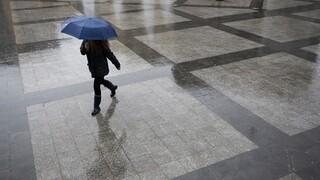 Καιρός: Βροχές, καταιγίδες και πτώση της θερμοκρασίας την Τρίτη - Ποιες περιοχές θα επηρεαστούν