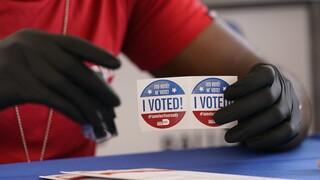 Εκλογές ΗΠΑ: Με κλειστά μικρόφωνα το τελευταίο debate – Ουρές στην πρώιμη ψηφοφορία