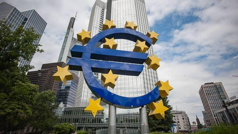Στις αγορές για δανεισμό βγαίνει η ΕΕ – Πιέσεις στα ελληνικά ομόλογα