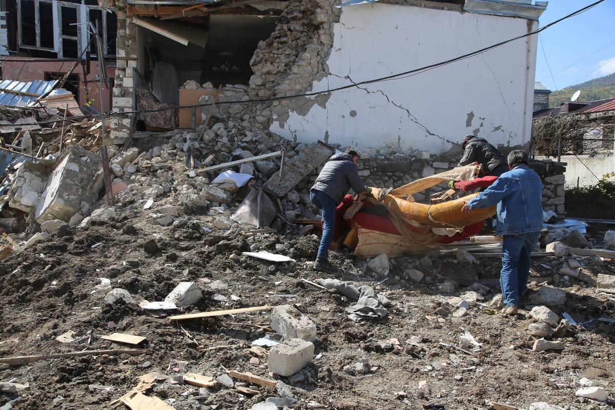 Βομβαρδισμένο σπίτι στο Στεπανακέρτ