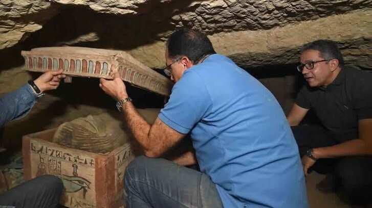 Νέο συναρπαστικό εύρημα στη νεκρόπολη της Σακκάρα: Στο «φως» δεκάδες  σφραγισμένες σαρκοφάγοι - CNN.gr