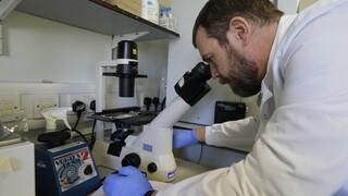 Βρετανία - Κορωνοϊός: Ερευνητές σχεδιάζουν να μολύνουν εθελοντές με τον ιό