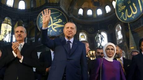 Ερντογάν: Στόχος του Μακρόν να αναμετρηθεί με το Ισλάμ