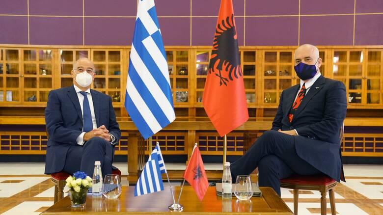 Προσφυγή στη Χάγη: Με το βλέμμα στην Τουρκία η συμφωνία με την Αλβανία