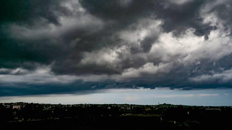 Έκτακτο δελτίο επιδείνωσης καιρού: Έρχονται βροχές, καταγίδες και χαλάζι