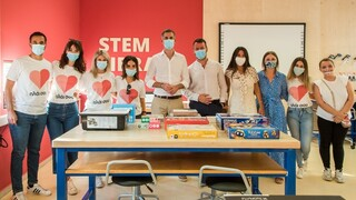 Adopt-a-School: Η πρωτοβουλία που έφερε την πρώτη STEM βιβλιοθήκη σε ελληνικό δημόσιο σχολείο