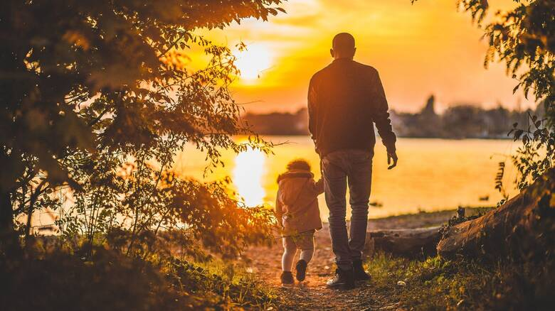 Μητσοτάκης: Αυξάνονται άδεια πατρότητας και πατρική γονική άδεια