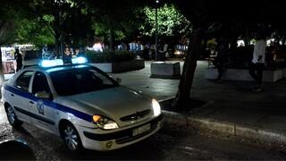 Θεσσαλονίκη: «Απομακρυνθείτε από τον χώρο» - Επιχείρηση της ΕΛΑΣ σε πλατεία τα ξημερώματα