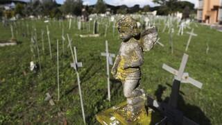 Θρίλερ στην Ιταλία: Έρευνα για το «νεκροταφείο εμβρύων» που διαπομπεύει γυναίκες