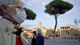 Κορωνοϊός: Αυξάνει και πάλι ο αριθμός των ηλικιωμένων ασθενών κορωνοϊού στην Ευρώπη