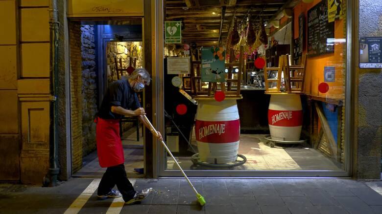 Κορωνοϊός: Εκτός ελέγχου η πανδημία στην Ισπανία - Επεκτείνεται το lockdown