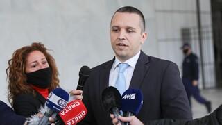 Δίκη Χρυσής Αυγής: Παραδίδονται στην Αστυνομία τα πρώην μέλη της Χρυσής Αυγής